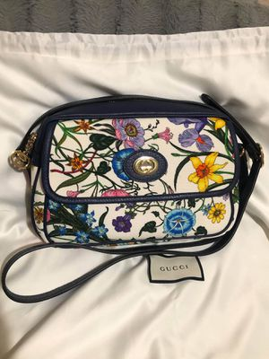 Gucci flora crossbody bag for Sale in San Diego, CA