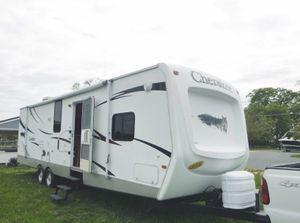 ✅2008 Forest River Cherokee 31' ft Sleeps 8 1 bedroom Fridge and showe for Sale in Bridgeport, CT