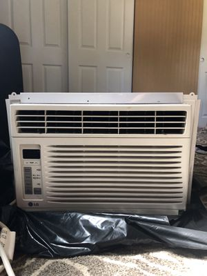 LG window AC - 5000 btu 110v for Sale in Port Orchard, WA