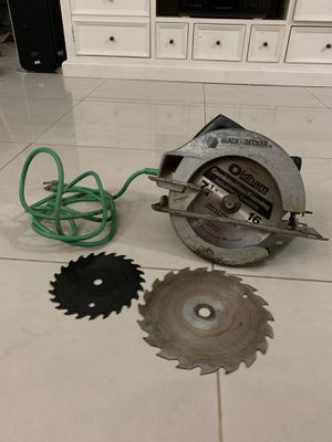 Black And Decker 7-1/4 Circular Saw with NEW Blade for Sale in Miami, FL