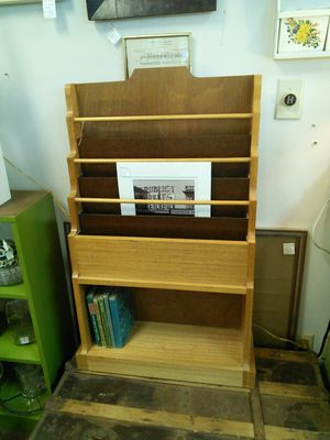 Magazine and Book Rack for Sale in Canby, OR