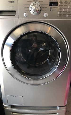 Free LG Tromm washer for Sale in Cary, NC