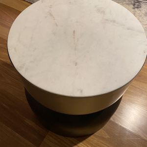 Coffee Table/ Side Table for Sale in Bellevue, WA
