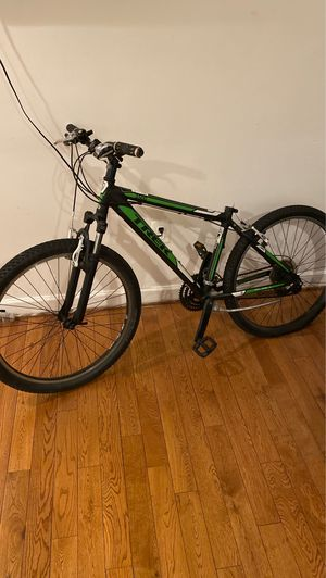 3500 trek mountain bike for Sale in Washington, DC