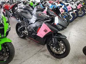 2017 honda cbr1000rr with m4 for Sale in Mesa, AZ