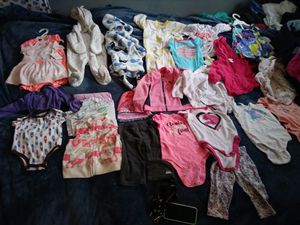 Baby girl clothes lot! Sizes newborn to six months for Sale in Portland, OR