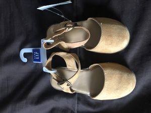 Baby gap sandal for Sale in Queens, NY