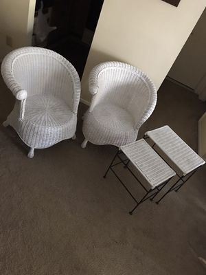 4 pieces wicker set 2 round unique chairs 2 nesting tables still available for pick up in Gaithersburg md20877 for Sale in Gaithersburg, MD