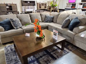 Modern Sectional Sofa (Ottoman/Coffee Table is not included) for Sale in Garden Grove, CA