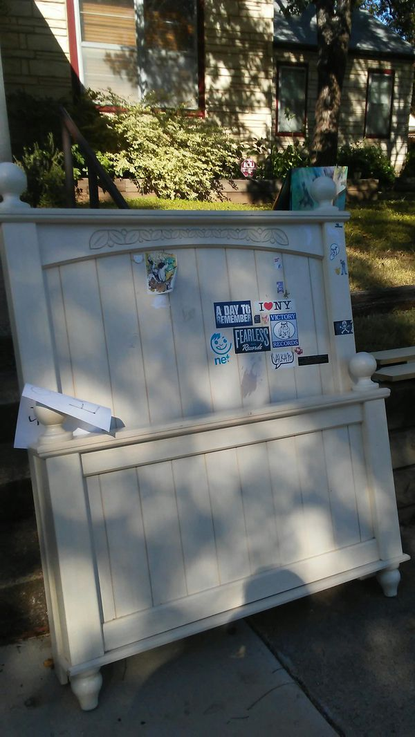 Free Twin bed with mattress