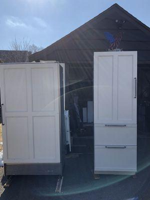 Subzero refrigerator and freezer for Sale in Lynn, MA