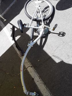 Bike trailer for Sale in Tracy,  CA