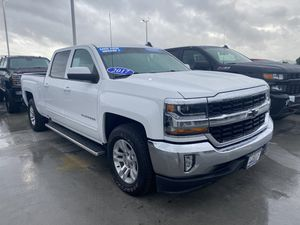 2017 Chevy Silverado 2lt for Sale in Montebello, CA