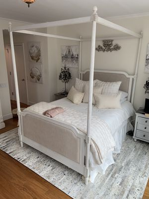 RH VIENNE FRENCH CANOPY BED (Queen Size) for Sale in Queens, NY