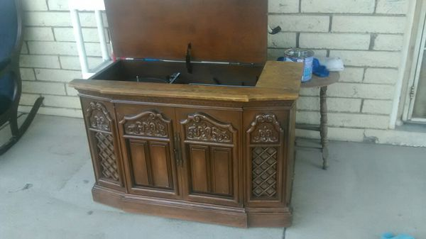 Rca antique record player and radio