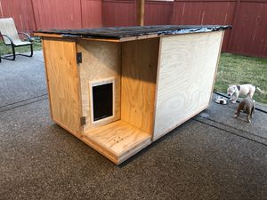 Dog house for sale for Sale in Kent, WA