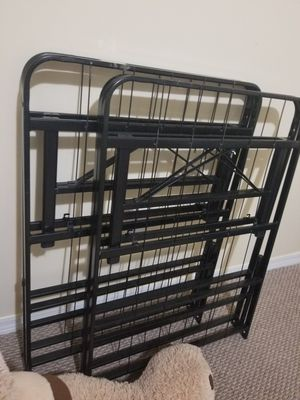 Queen / full metal bed frame for Sale in Homestead, FL