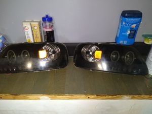 1998to2002 ford f150 headlights for Sale in Leesport, PA