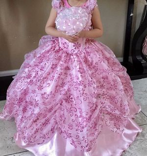 pink girls Princess dress size 3-6 years old for Sale in Daniels, MD