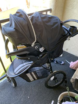 Baby trend car seat and stroller combo for Sale in Henderson, NV