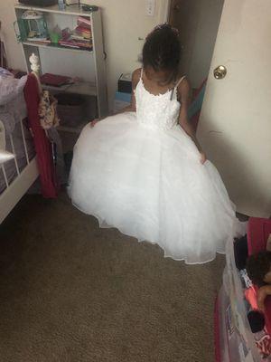 Girl size 6/7 flower girl dress for Sale in Marietta, GA