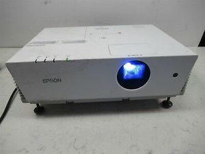 Epson 3500 lumens movie tv projector for Sale in San Diego, CA