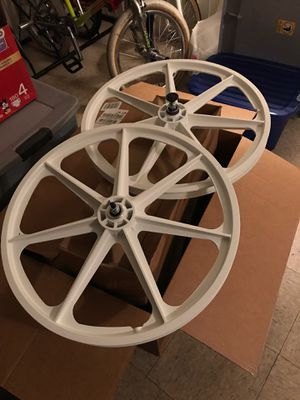 New Skyway 24 inch for Sale in Anaheim, CA