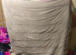 Blanket queen size for Sale in Los Angeles, CA