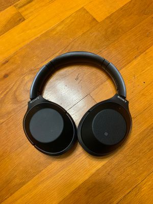 Sony wireless headphones runs for about $500 new for Sale in San Antonio, TX