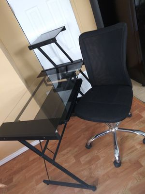 COMPUTER DESK WITH CHAIR 👇 for Sale in Fort Worth, TX