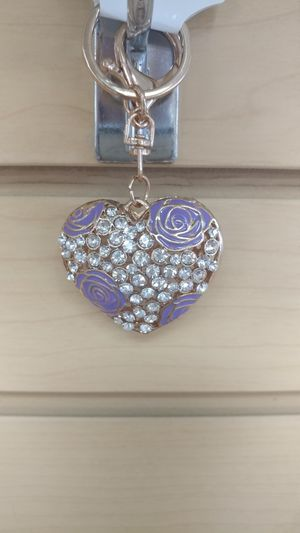 Jeweled Heart Keychain _ purse charm ( NEW ) purple & gold for Sale in Salt Lake City, UT