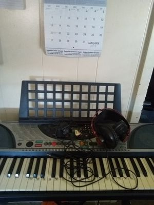 Keyboard and keyboard stand and studio head phones for Sale in Booneville, MS