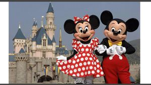 Need one adult ticket to magic kingdom for Sale in Winter Haven, FL
