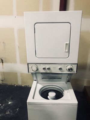"Kenmore Stackable electric Combo Washer Dryer 24"" wide for Sale in Denver, CO"