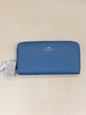 Coach wallets 8-8 for Sale in Honolulu, HI