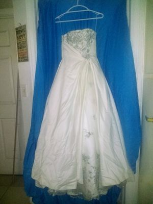 Wedding Gown for Sale in Las Vegas, NV