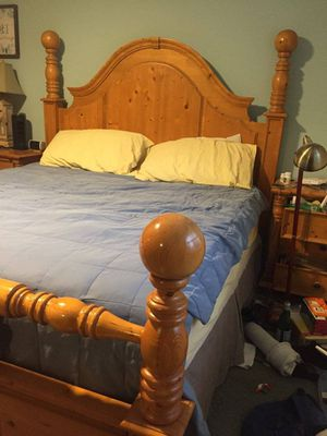 5 piece King Sized bedroom set for Sale in DuPont, WA