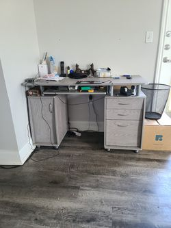 Small Office Desk for Sale in Quincy,  MA