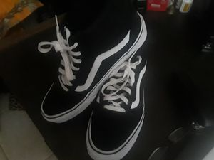 Like new Vans sneakers for Sale in Hillsboro Beach, FL