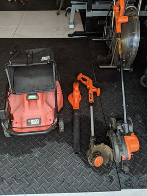 Black and Decker lawnmower, blower, weed whacker, and edger for Sale in Orlando, FL