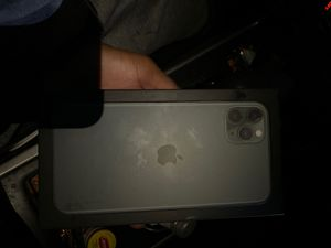 Brand new iPhone 11 pro max at&t 512 gig green 980 or best offer no shipments for Sale in Langhorne, PA