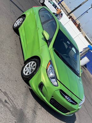 Hyunday accent hatchback 2014 for Sale in Philadelphia, PA