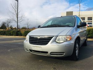 2007 Chrysler Town and country One owner clean Carfax nice minivan very clean inside and out runs great new va state inspection and emission no leaks for Sale in Sterling, VA