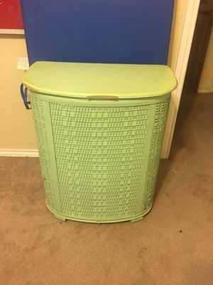 Laundry Basket for Sale in Mansfield, TX