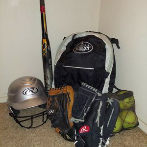 Softball Set for Sale in Bakersfield, CA