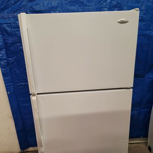 Whirlpool Fridge Good Working Conditions For $139 for Sale in Lakewood, CO