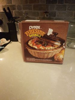 New Vintage Pyrex With Original Box - Fireside Naturals for Sale in Tacoma,  WA