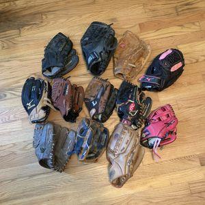 Lot Of 12 Baseball Softball Gloves Wilson Mizuno Franklin Louisville Slugger for Sale in Pelham, NH