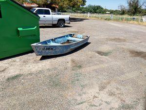 10 foot aluminum flat-bottom boat row boat fishing boat for Sale in Mesa, AZ