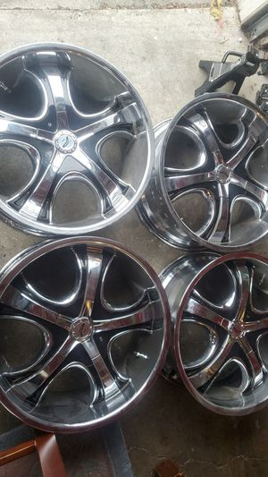 20 inch wheels Platinum Patriarch rims for Sale in Milton, WA